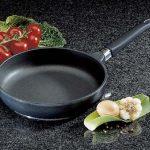 Сковорода с антипригарным покрытием - в чем ее преимущества?