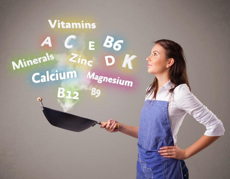 Какие витамины принимать летом