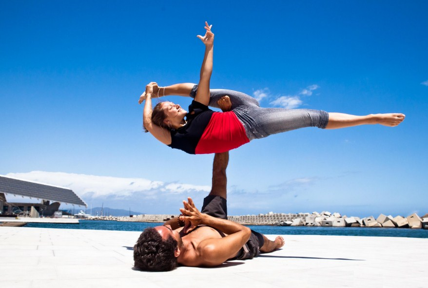 Йога в паре – гармония отношений